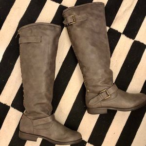 Breckelle's Riding Boot in Gray